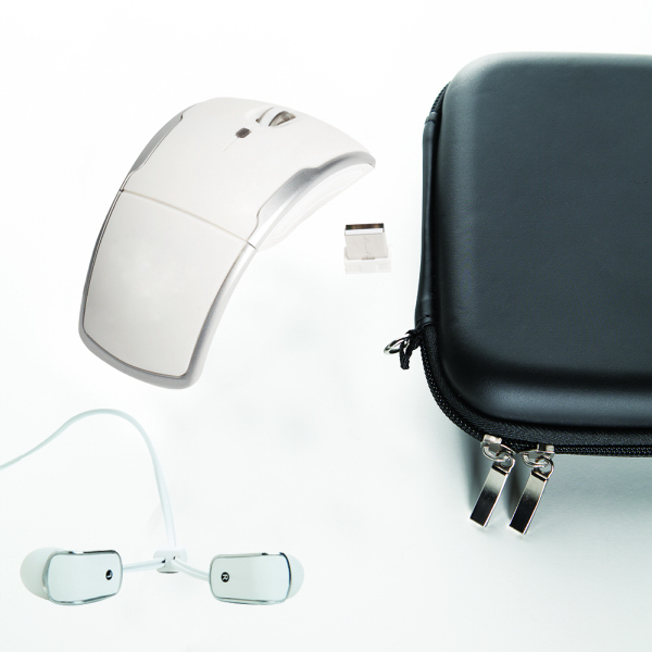 Foldable wireless mouse and tangle-free earphone gift set